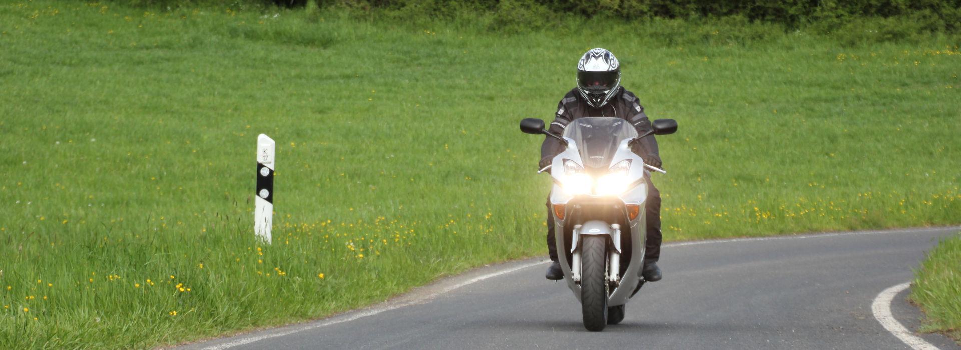 Motorrijbewijspoint Spijkenisse examengarantie AVB en AVD